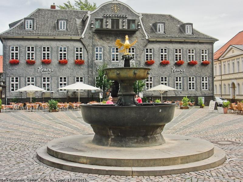 High Quality Der Marktbrunnen Zu Goslar Ist Etwas Besonderes: Er Stammt Aus Romanischer  (!) Zeit, Die Untere Bronzeschale Gilt Sogar Als Größter Bronzeguss Des 12.