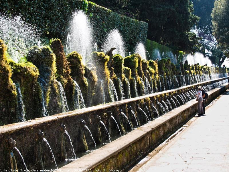Fontane Brunnen.Das Schöne Detail Brunnen Und Wasserspiele In Aller